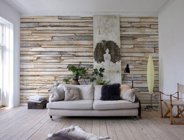 papiers peints aspect bois flotté grisâtre dans le salon