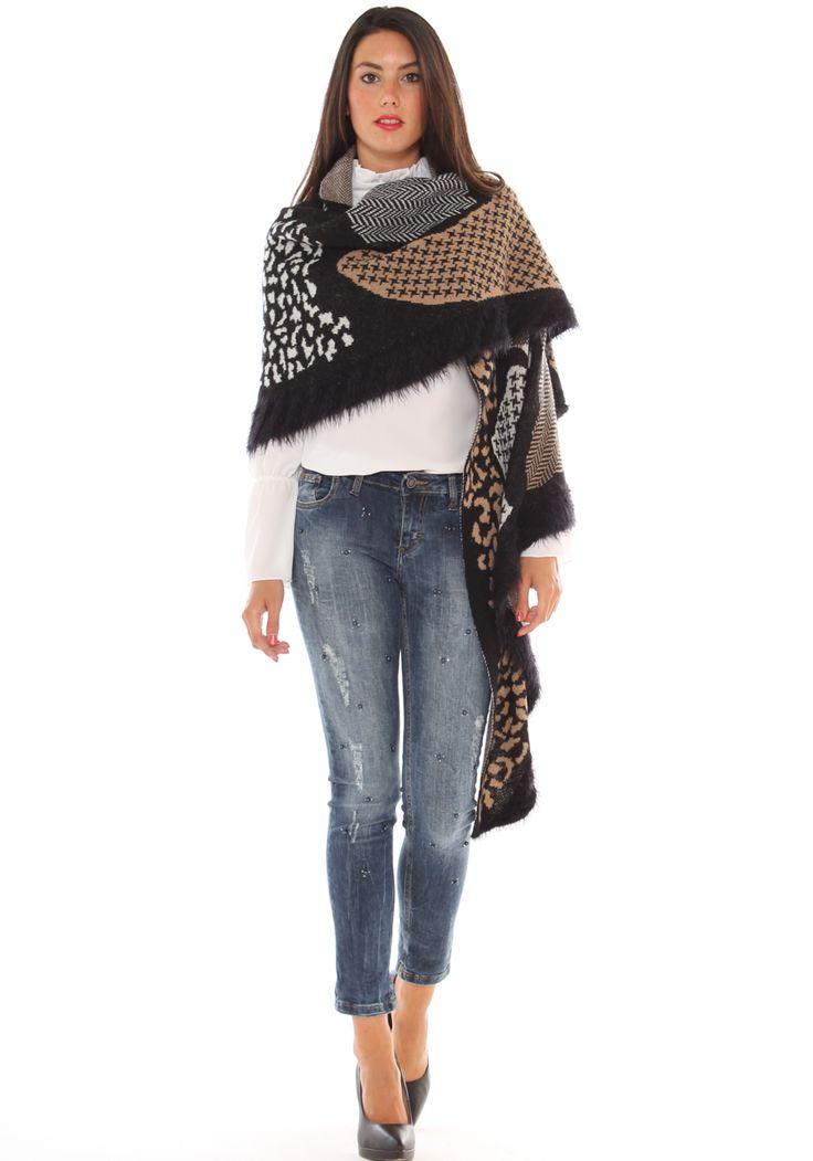Outfit da ufficio mantella misto lana,camicia georgette,jeans skinny