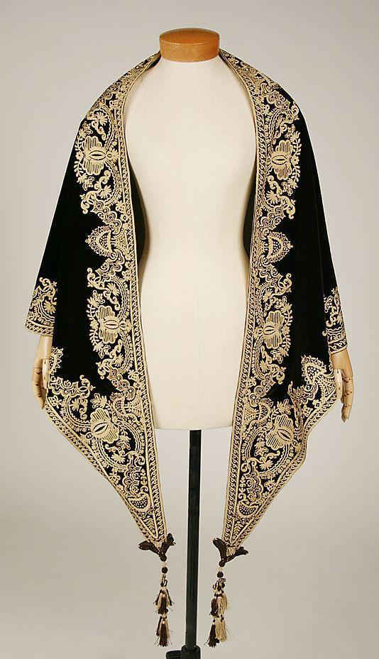 1857-1860 ... Mantle ... silk ... American ... at The Metropolitan Museum of Art ... photo 1