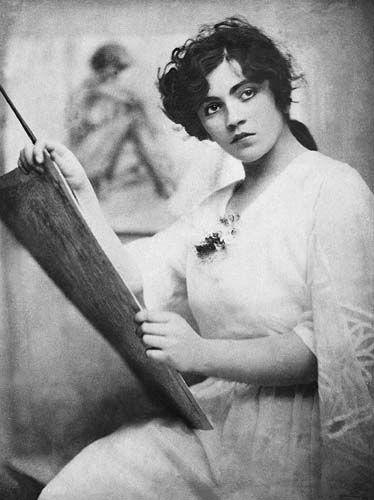 Hungarian actress Ella Gombaszögi, c. 1920 - beautiful!