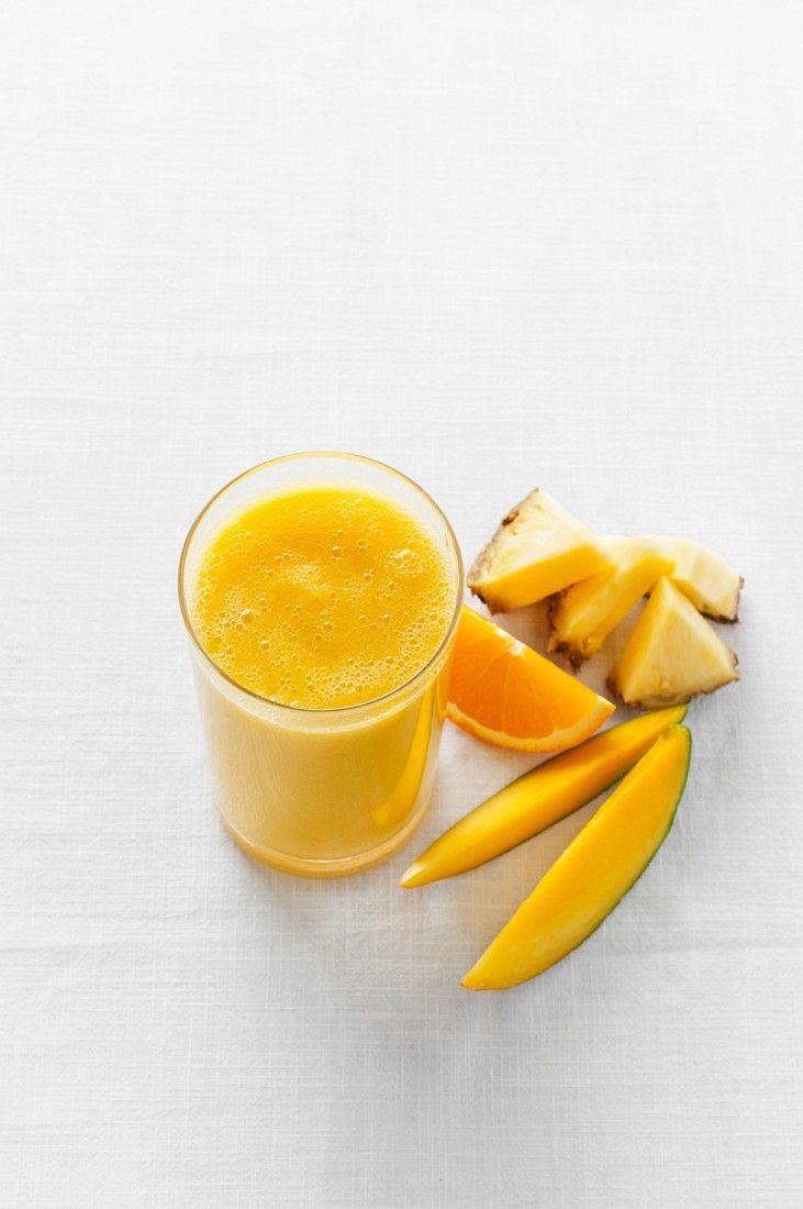 Ananas-Mango-Smoothie - smarter - Zeit: 10 Min. | eatsmarter.de