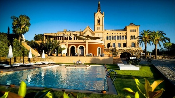 Sant Pere del Bosc Hotel and Spa, This elegant Spanish boutique hotel and spa offers stylish suites, delicious Mediterranean dining and charming service.