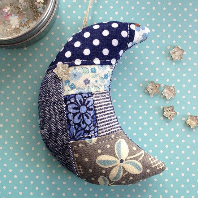 patchwork crescent moon - this is what you do with all those tiny, tiny scraps you've been saving.