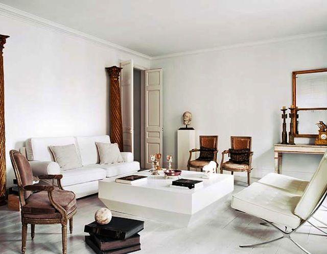 /\ /\ . Barcelona Apartment