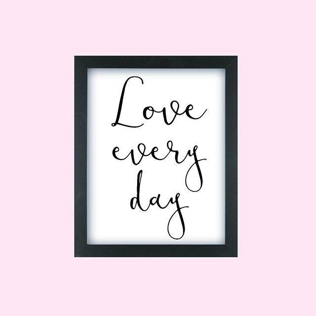 ...в каждом дне найдется что-то хорошее и вдохновляющее:)) #дизайн #love #loveeveryday #beautiful #designer #art_we_inspire #card #graphic #графика #искусство #art #text #vscolove #vsco #graphicdesign #color #colore #cartolina #полиграфия #disegno