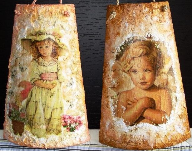Coppia di tegoline in legno lavorate a decoupage con effetto materico.