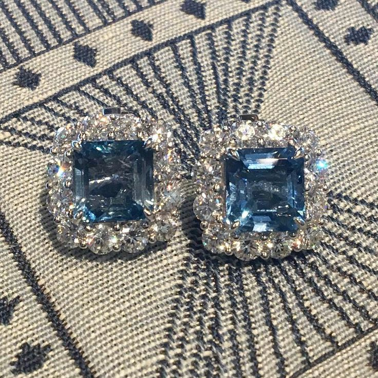 @filigreejewelers. I want to defy the laws of physics & dive into the aquamarines in these earrings!