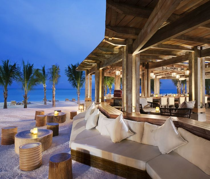 6 Awesome Hotel Beach Bars | Luxury Accommodations