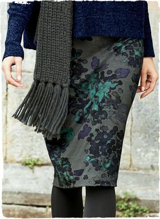 Watercolor hydrangeas wash across the graphite ground of the stretchy jersey pencil skirt in cool shades of teal, deep violet and ink. Viscose (95%) and elastane (5%).