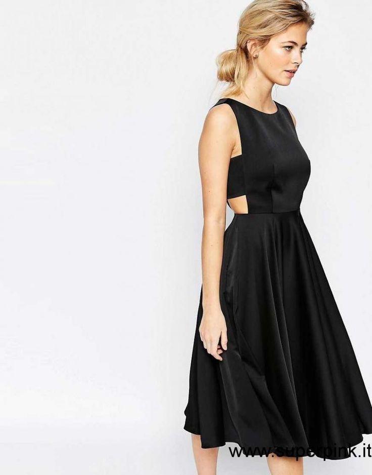 Vestito nero gonna a ruota dell