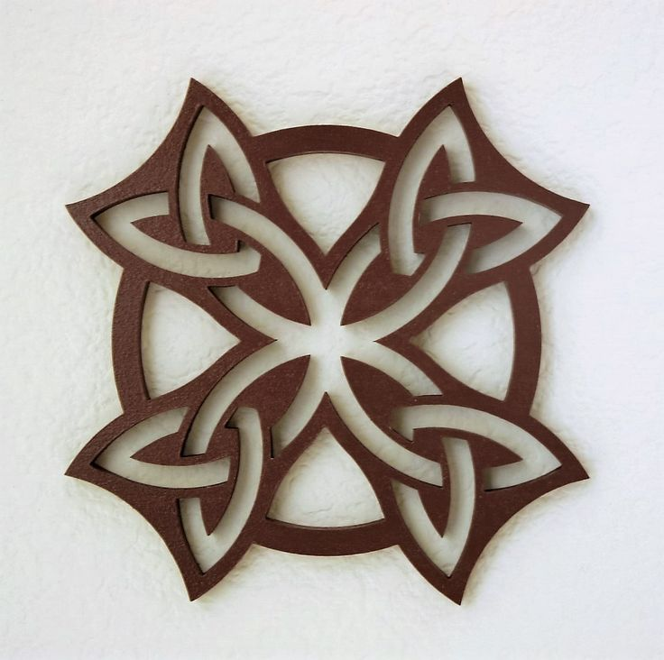 Trivet 1; inspired by Pinterest, modified by me. Bernie Bohl