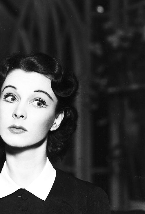Vivien Leigh. omg someone did that face before i did! :>