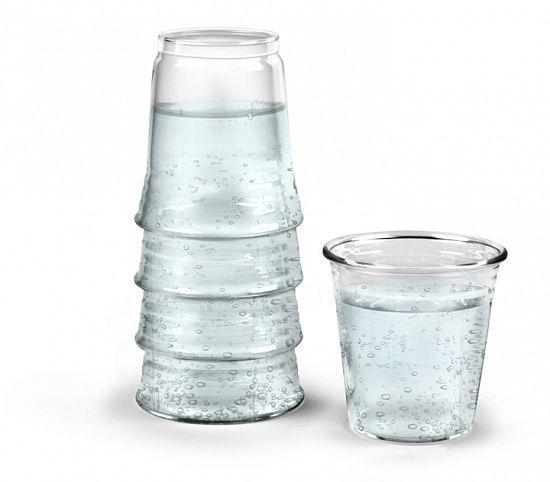 Вопрос от @razverni Чем отличается дорогая вода от дешевой? Мы не знали, но ответим. Что касается VOSS, то это отличная качественная природная вода без фильтрации, добывается из артезианских источников на юге Норвегии. Безусловно, она гораздо полезней «Аква Минерале» и ее собратьев, однако все мы понимаем, что существенная часть цены VOSS — бренд. В магазинах можно найти много другой прекрасной воды, которая обойдется в разы дешевле. Графин для воды / напитков - H2EAU…