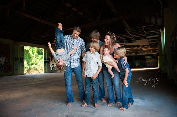 fun family photo, family posing, photography