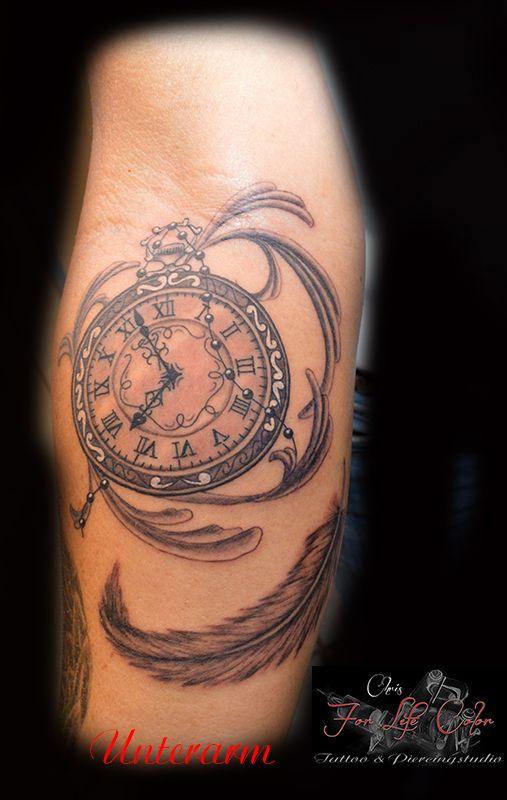 Unterarm - Taschenuhr #tattoorosenheim #tattoochris #christattoo #forlifecolor #tattooraubling #taschenuhr #ink #instatattoo #feder #blackandgrey #rosenheim #raubling #christattoo #tattooraubling #tattoo #tattoos #tattoolife #tattoolovers #tattooart #tattooed #artistchris #artist #colorink