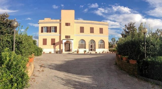 Centro Missionario Mariano Cristo Redentore - #Guesthouses - $60 - #Hotels #Italy #LaRustica http://www.justigo.us/hotels/italy/la-rustica/centro-missionario-mariano-cristo-redentore_132952.html