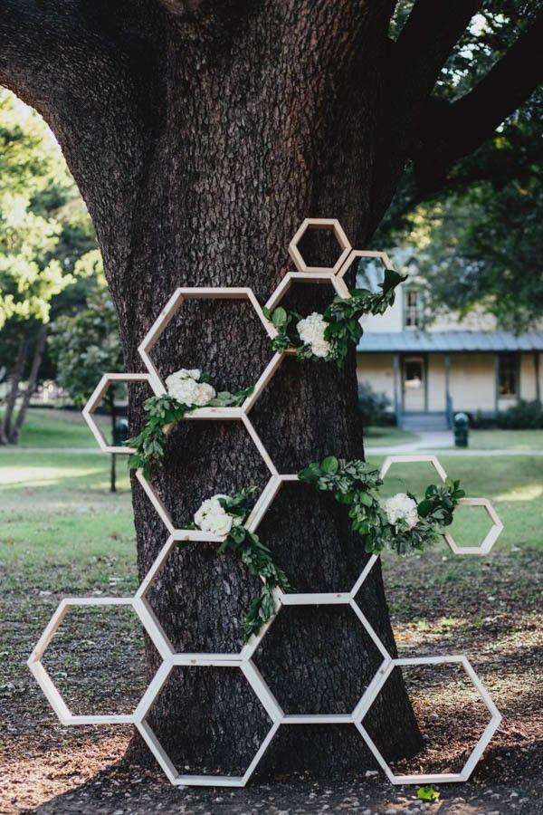 Honeycomb ceremony backdrop | Jojo Pangilinan Photographers