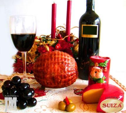 Dentro de los regalos mas vendidos en Bogotá en Navidad esta la comida. Es un regalo frecuente. Lo que menos falta en Navidad es la alegría y la comida. Temporada de pocas dietas. La Perita de Pavo sirve para tajar y repartir en las reuniones familiares, junto con queso y un buen vino USD$65