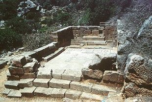 The Temple of Asklipios in Lissos - Hotels, Car Rental - Crete Greece