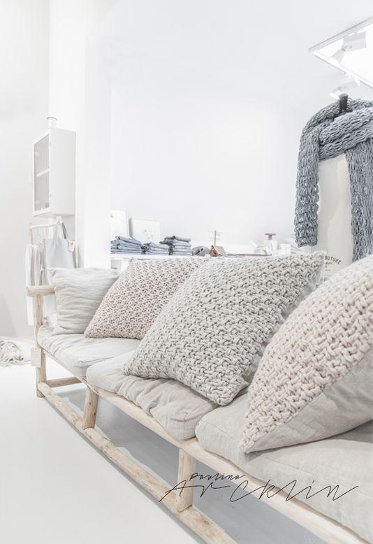 les 25 meilleures id es de la cat gorie grosses mailles sur pinterest couvertures grosse. Black Bedroom Furniture Sets. Home Design Ideas