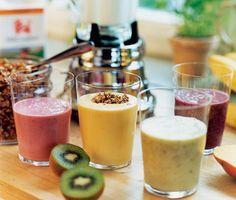 Recept: Smoothie med banan, frukt och bär