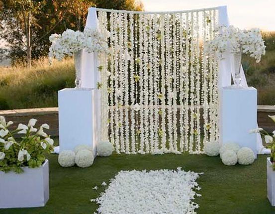 Imagen matrimonio decorado en tonos de blanco bodas - Decoraciones en color plata ...
