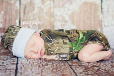 Early Camo -- adorable! Hunter's 1st pics at the hospital were in Realtree <3