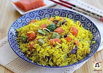 Riso Basmati con salmone e verdure alla curcuma - Insalata di riso fredda