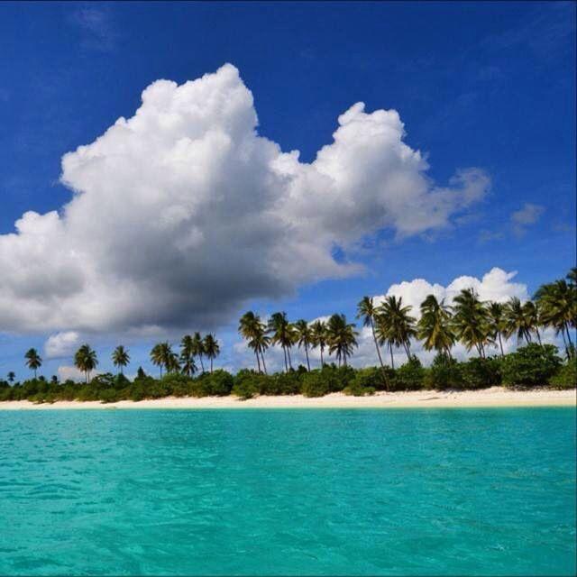 pasir panjang beach - sulawesi tengah, indonesia