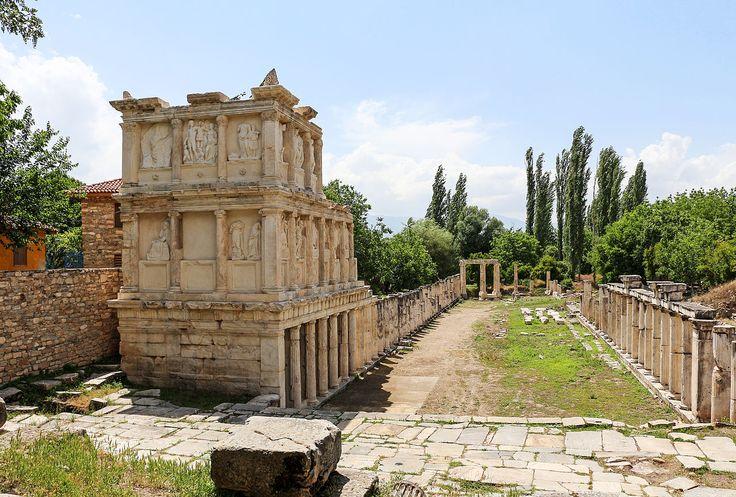 Le Sébasteion ou Augusteum est un complexe religieux situé dans la cité d'Aphrodisias. Il est composé d'un propylon, d'un temple, d'une voie processionnelle & de deux portiques. Entièrement construit en marbre blanc & gris, il est dédié à l'empereur Auguste qui apporta la paix à Aphrodisias après les guerres civiles qui dévastèrent l'Asie Mineure au Ier siècle. Il fut honoré pour cela, et considéré comme un dieu sauveur. Le complexe lui doit son nom: Sebastos en grec & Augustus en latin.