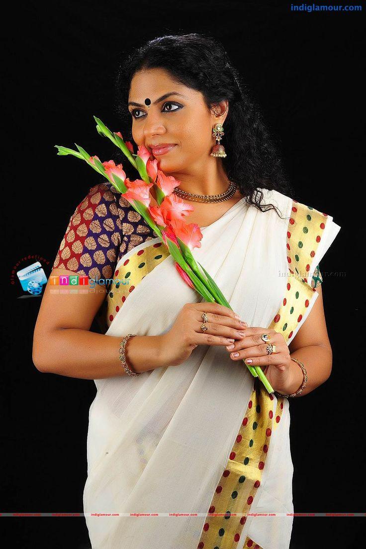 Asha Sarath in Kerala Tradional Saree