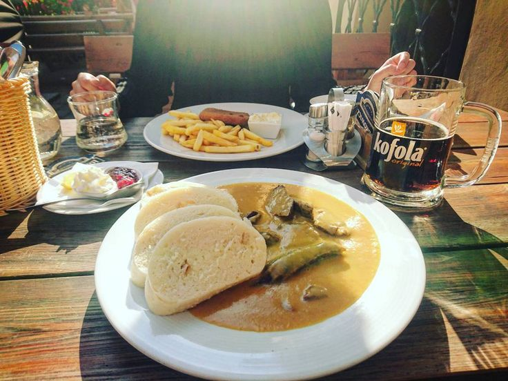 Czeski pakiet startowy  ____________ #docelowo #foodporn#food#czechfood#knedliky#smazenysyr#kofola#dinner#meal#restaurace#restaurant#weekend#saturday#polishgirl#polishboy#czechrepublic#september#autumn#instagood#instafood