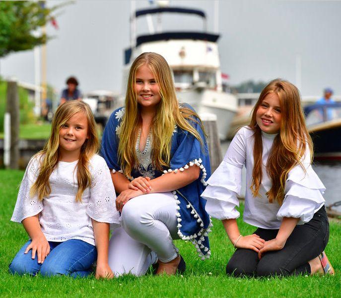 Princesses Ariane, Catarina-Amalia, Alexia, 7 juillet 2017, Photoshoot d'été annuel, Kagerplassen, Warmond (Pays-Bas)