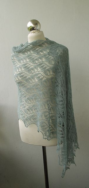 dagny14's Minty Morning stole. Free pattern.