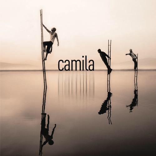 I'm listening to Entre Tus Alas by Camila on Pandora