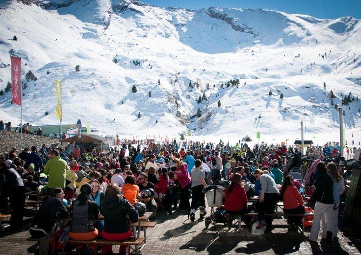 Aramón lanza la venta anticipada de abonos de esquí 2016-17.