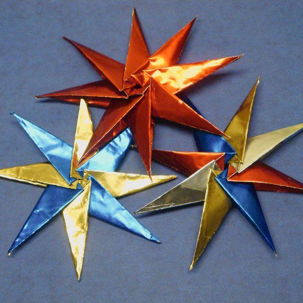 Stern Basteln 3d Sterne Aus Bastelfolie Selber Machen Sterne Basteln Basteln Papierdekoration