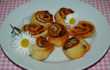 Pikáns káposztás tekercs - Sósak sütemény receptek képekkel - Fincsi.hu