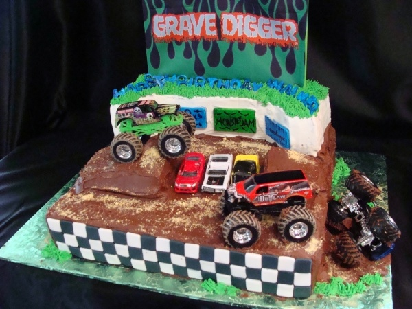 awesome grave digger cake idea