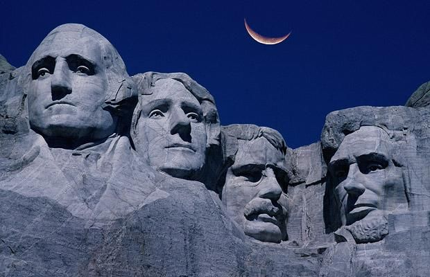 Mount Rushmore National Memorial, South Dakota, USA (Abraham Lincoln, Theodore Roosevelt, Thomas Jefferson, George Washington)
