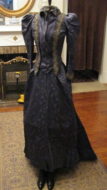 1800s Victorian Formal Bustle Dress