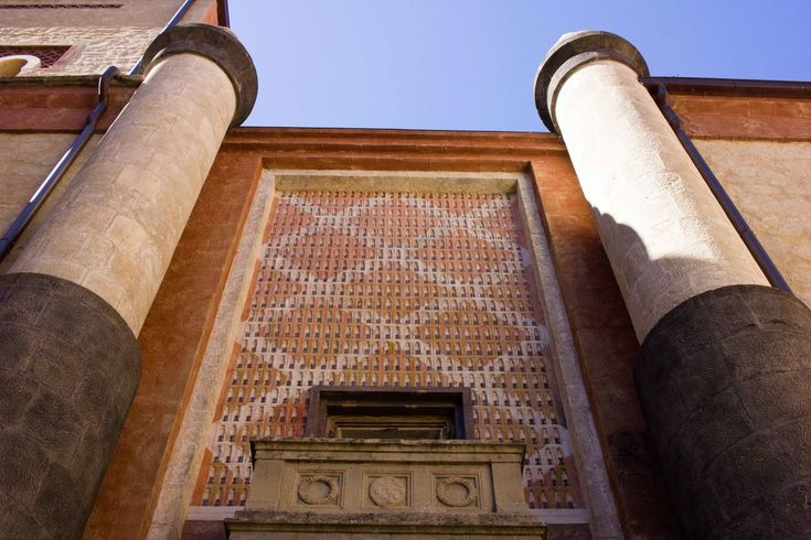 Rocchetta Mattei castle Bologna - Entrance
