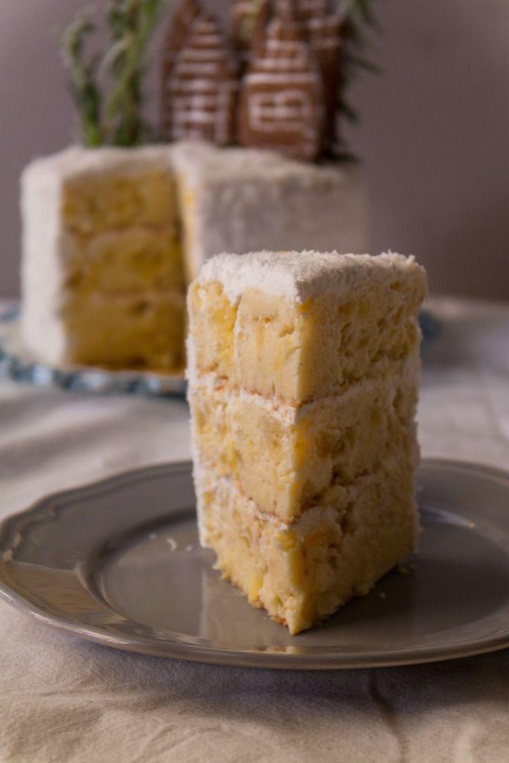 Coconut Pineapple Cake | Sweet Applepie blog #coconut #cake #dairy-free #pineapple
