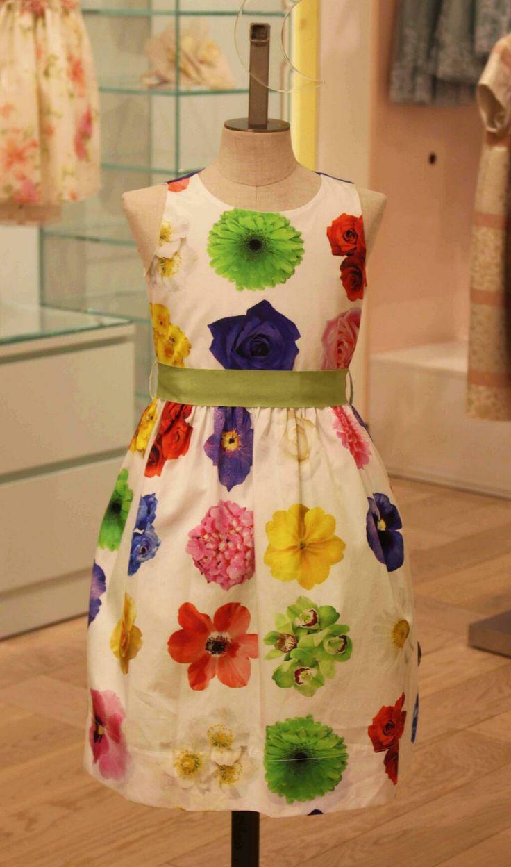 We think every little princess needs a suitably pretty little dress… #Monnalisa #MiniHarrods http://www.harrods.com/product/floral-dress/monnalisa/s12-0606-250-MONNA-293?cid=scm_pip_tw_chldsw_210114