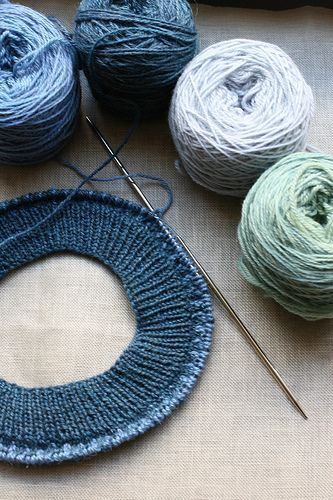 Ten things all knitters should know - a handy reference How to Magic Loop Cabling Without a Cable Needle Tubular Cast On Weaving in Ends Fair Isle - Yarn Dominance Judy's Magic Cast On Crochet Provisional Cast On Kitchener Stitch