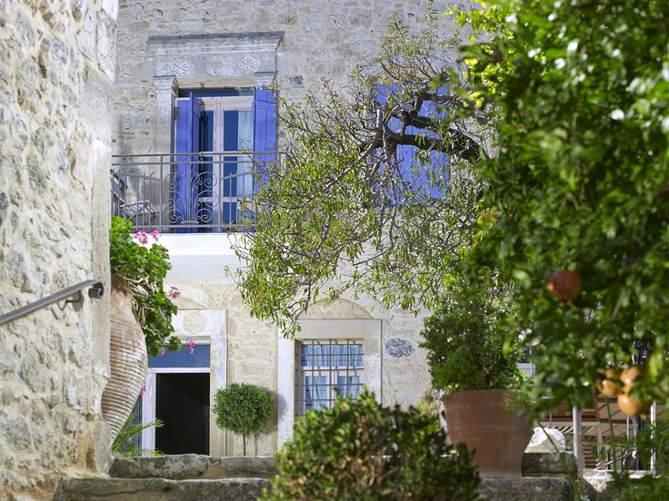 There are many good places, just a few which are usually hard to find, are exceptional. This is one. So close to #Crete's main city and yet emotionally separate, calm and totally attractive. #Therapy! #Villa #Kerasia #Inn :http://www.cretetravel.com/hotel/villa-kerasia-inn