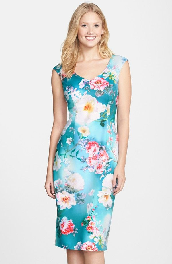 Çiçek desenli mavi yazlık elbise