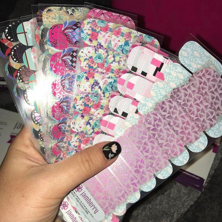 #nailsathome #nailideas #jamberry #jamberrysamples #samples #giveaways https://sammie.jamberry.com/au/en/