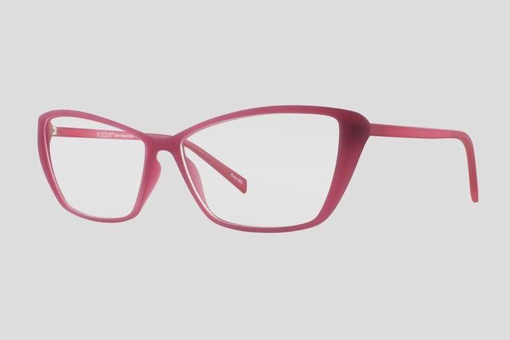 #Brillen van Reor. Dit is de Baraga (art. nr. F10.673UPI), complete bril vanaf € 39,90. #Montuur van roze TR-90 materiaal. Verkrijgbaar in nog twee andere kleuren.