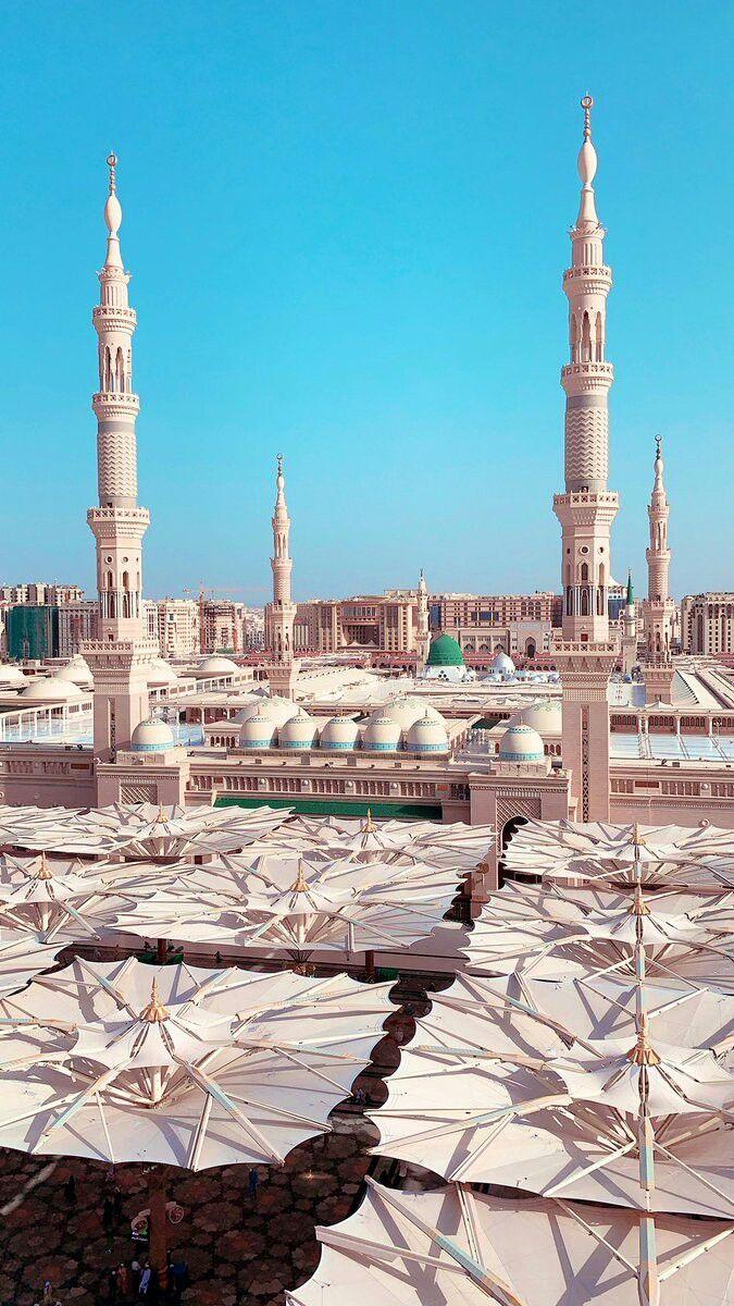Resim ياسمين Tarafindan Kesfedildi We Heart It De Kendi Gorsellerinizi Ve Videolarinizi Kesfedin Ve Kaydedi In 2020 Medina Mosque Mecca Wallpaper Beautiful Mosques